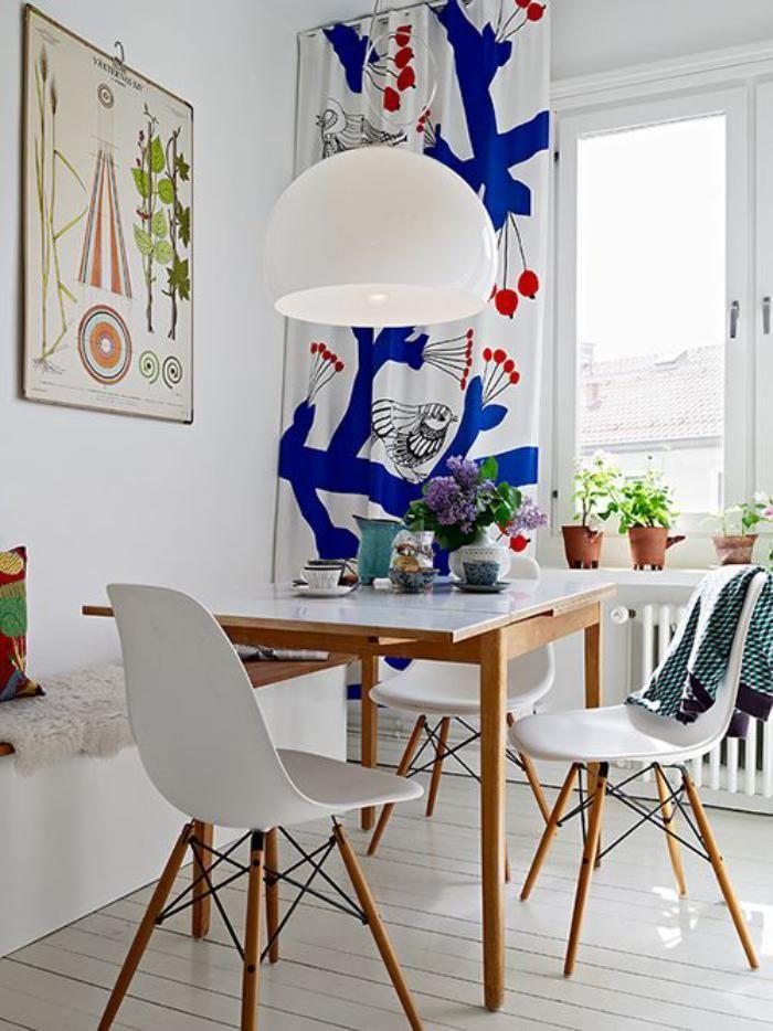 salle à manger scandinave, petit coin de déjeuner déco bois et blanc
