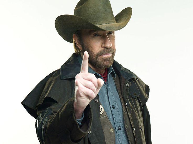 Chuck Norris la única persona capaz de sobrevivir a dos infartos en una hora