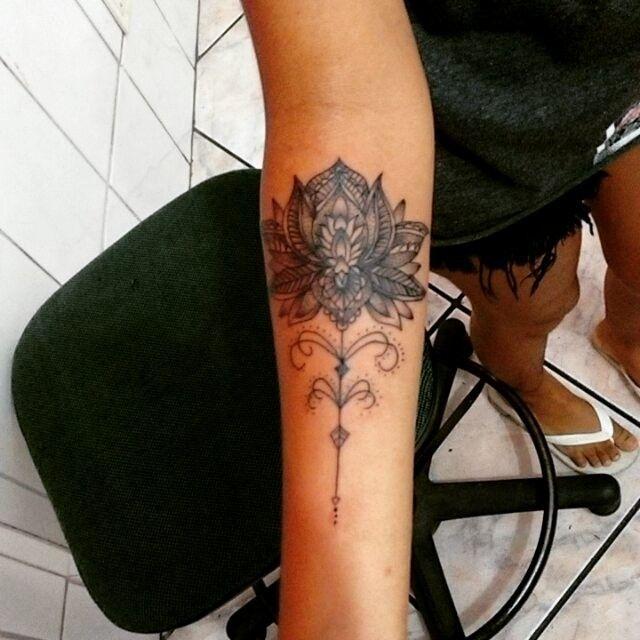 Tattoo flor de lótus ornamental, desenho criado para Thayná Gomes. Para agendar ou fazer algum orçamento (27) 998262449 . #flordelotus #flordelotusornamental #ornament #ornamentais #drawing #tattoo #flordelotus #lotustattoo #lotus #vamhallen #rastatattoo #latinta