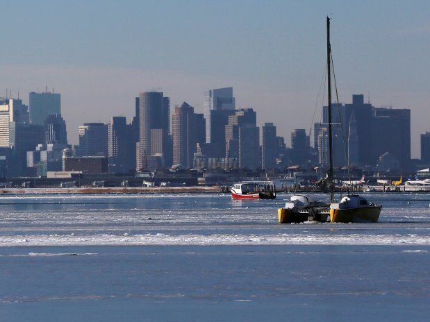 Eine Kältewelle hat die USA im Griff. In Boston wurde die bislang tiefste jemals in der Stadt aufgezeichnete Temperatur gemessen. Und vorerst ist keine Besserung in Sicht. Im Gegenteil: Für den Nordosten wird ein heftiger Schneesturm erwartet.