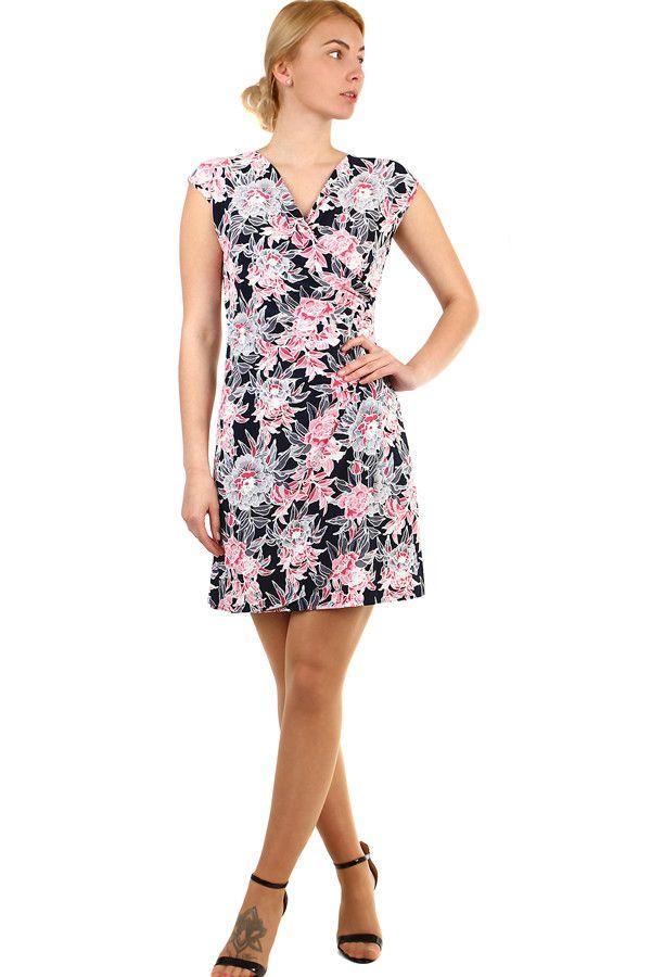 50bfe0a090ee Dámské krátké zavinovací šaty s květinami nadměrné velikosti - koupit online  na Glara.cz