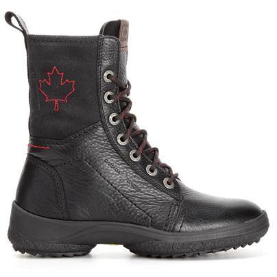 St Lawrence från Canada Snow är en slätare snörkänga med ovanmaterial i narvsatt skinn och ett skaft i tåligare textil. Denna snörkänga har en yttersula med inbyggda utfällbara broddar, vilket är perfekt när halkan ger sig till känna. Foder samt innersula i mjuk ullblandning. Canada Snows produkter är av högsta kvalitet och designade med stor noggrannhet.
