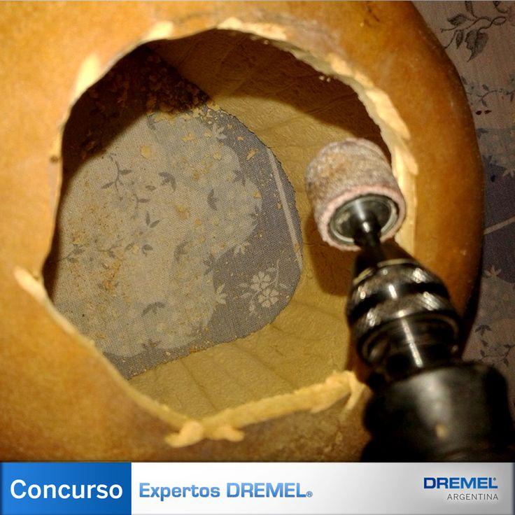 Paso 4) Se lijan los contornos del corte principal utilizando tubos de lija de distinto grosor hasta obtener una terminación pareja.
