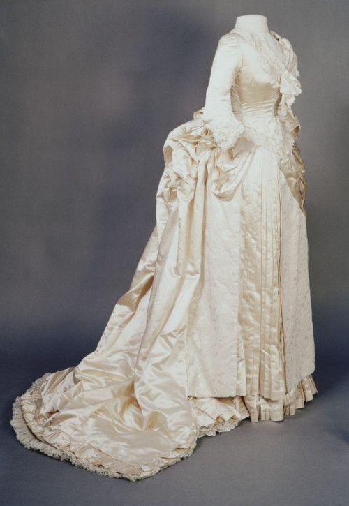Wedding Dress    1889    The Victoria & Albert Museum