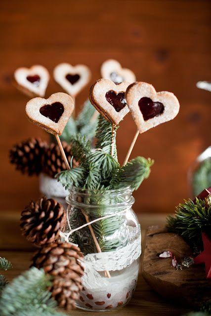 Cookie pops for a Winter Wedding Sweet Table - Cookie pops bakade till ett dessertbord till ett litet vinterbröllop