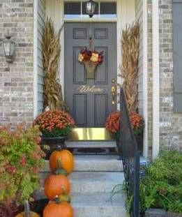 {Classy & Fabulous} The Modern Guide to Becoming a More Classy Woman: Outdoor Fall Display Ideas