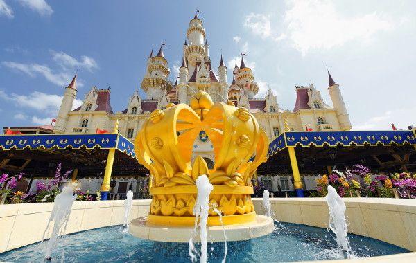 Far Far Away #Castle at #Universal Studios #Singapore @Resorts Honeymoon Destination Weddings World Sentosa Singapore
