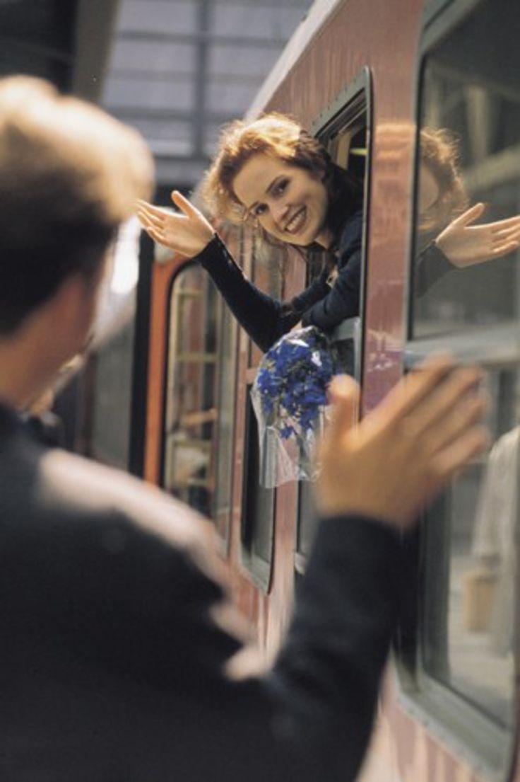 Amica le relazioni a distanza sono difficili da gestire, ecco dei consigli per tener salda la relazione http://ebx.sh/1KQHKyv