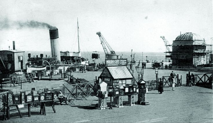 Ryde pier early (c) Simmonds Archive, Seaview