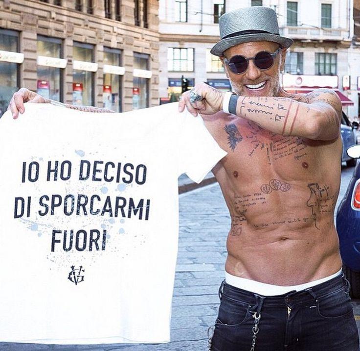 Io ho deciso di sporcarmi fuori, Gianluca Vacchi for Happiness tee disponibile su shophappiness.com #GVforHappiness