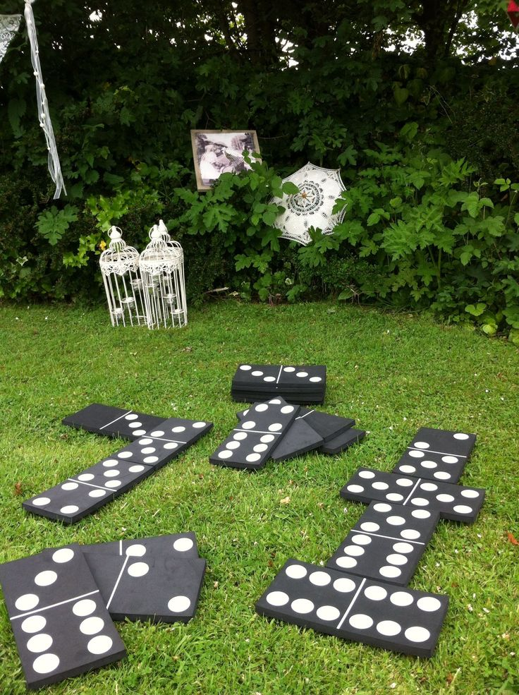 Giant dominos wedding game. A good idea for keeping the kids entertained.