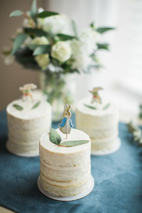 Those of you celebrating Easter this Sunday, we hope you got a chance to peruse the modern Easter party ideas we shared earlier this week. Between that and this thoughtful Peter Rabbit themed baby sho