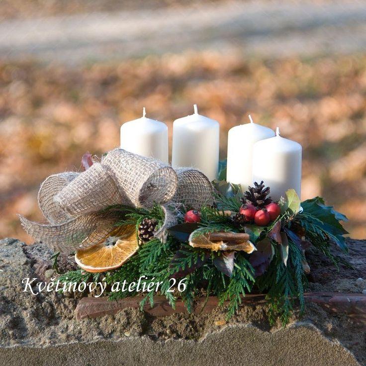 Květinový Ateliér 26 - adventní přírodní věnec na stůl ... https://www.facebook.com/kvetinovyatelier26/