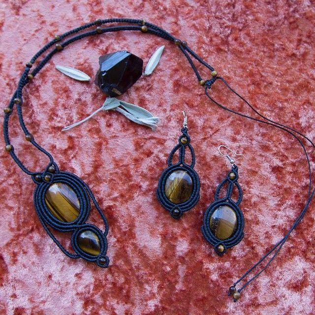 Tigereye set, necklace and earrings :) #handmadejewelry#handcraft#necklace#macrame #gemstones #knots #strings #style #handmadewithlove #boho #bohemianfashion #tigereye #crystal #micromacro #micromacrame #earrings #jewlerydesign #jewlery