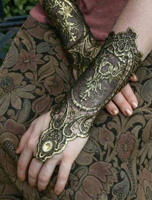 Juliet Capulet Gloves from Victorian Trading Co.