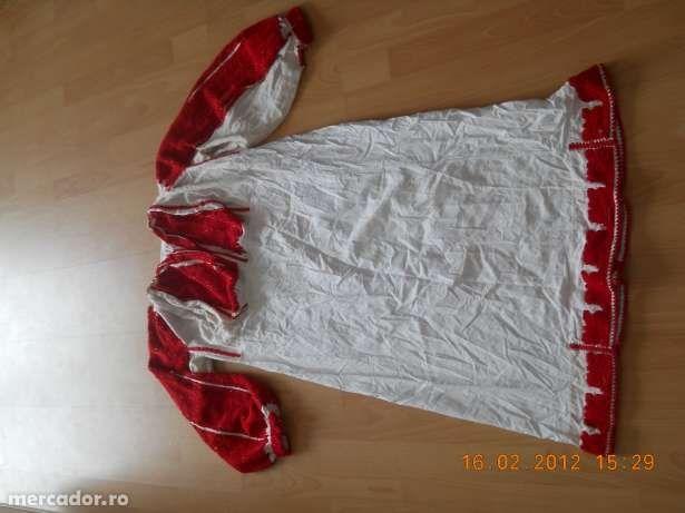 oferit de proprietar vand piese din costume populare vechi vechime 70 ...