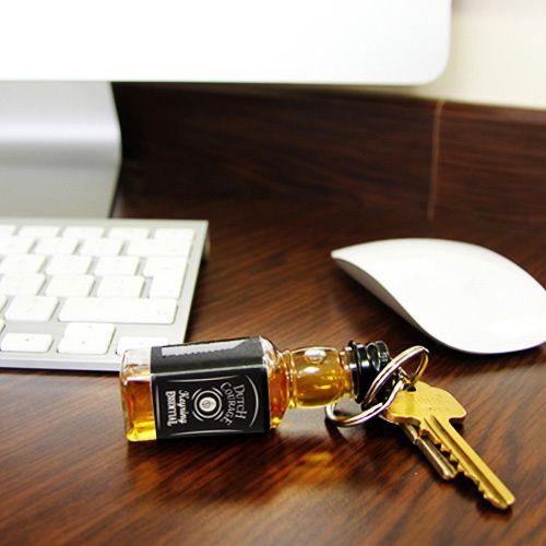 Llavero original mini botella de alcohol Dutch Courage | Tecniac