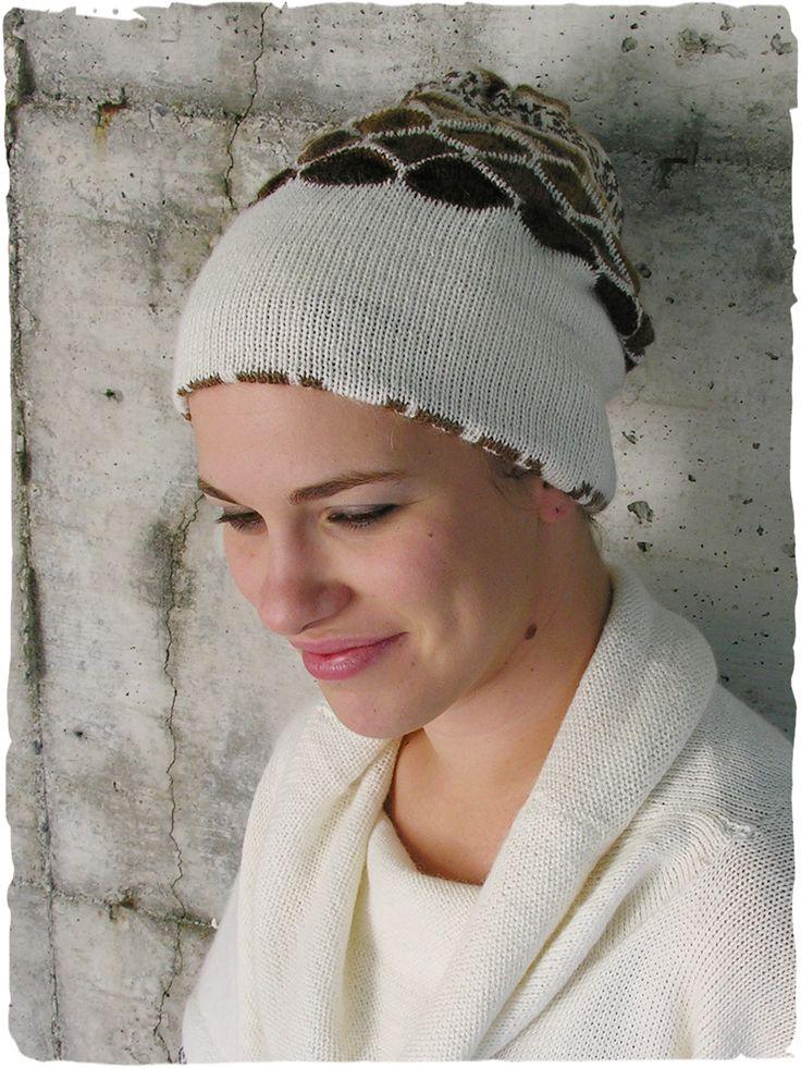 Cappello in alpaca Abeja #cappello in #lana #unisex doppio rigirabile - #disegno #etnico da un lato e tinta unita dall'altro http://www.lamamita.it/store/abbigliamento-invernale/3/cappelli-lana/cappello-in-alpaca-abeja