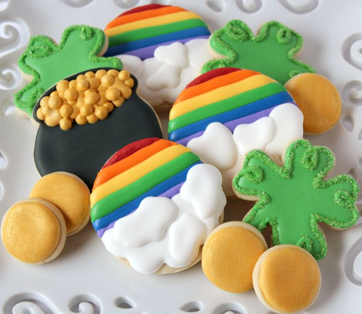 Saint Patrick's Day Decorated Sugar Cookies, Lucky Charm Cookies, Irish Cookies, Rainbow Cookies by Bakinginheels on Etsy https://www.etsy.com/listing/181405975/saint-patricks-day-decorated-sugar