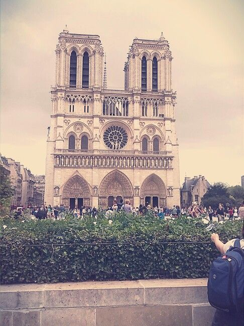 Day three: we ended tha' day with afternoon walk through parisian streets and saw Notre-Dame de Paris #ParisByDay