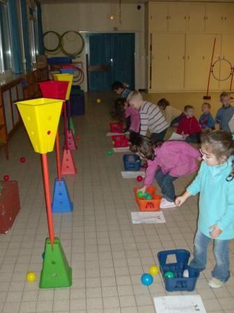 Ecole CAMUS Maternelle Wattrelos - Les champions du lancer chez les grands.