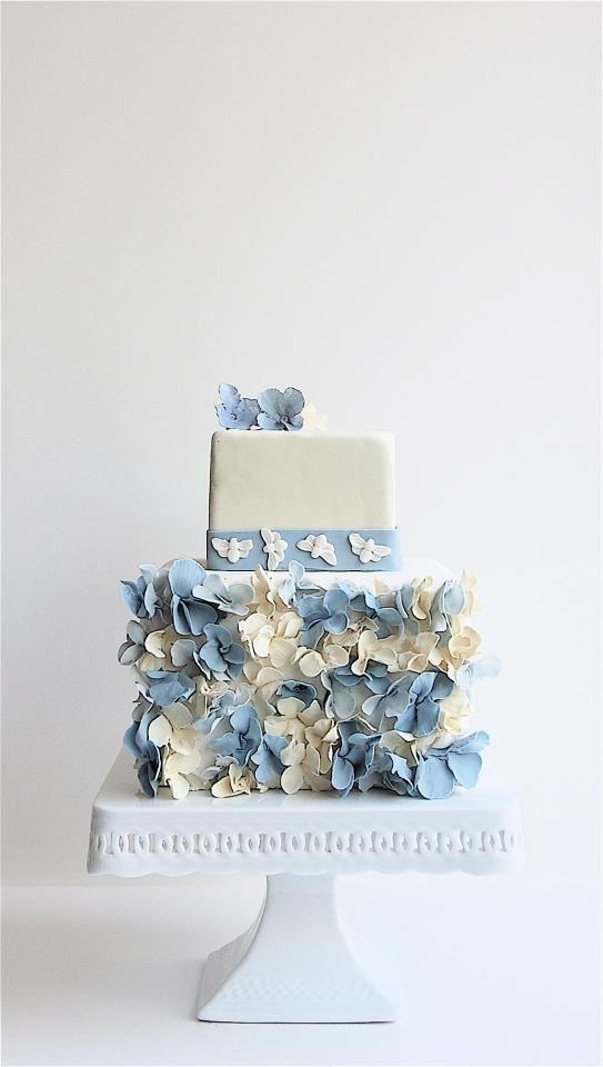 Pretty blue petal detail wedding cake