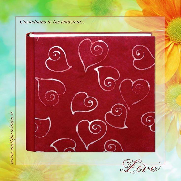 Batik Love <3 Coloratissimo album 30x30cm in Cuoio Rigenerato rosso e Carta Batik con 40 interni avorio con veline ..in cui raccogliere i momenti di un'estate indimenticabile. #batikcollection