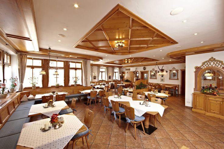 Der Chef des Hauses Martin Baudrexl jun. bringt als gelernter Metzgermeister und Koch alles mit. um die Gäste des Hauses kulinarisch zu verwöhnen. Erfahrungen sammelte er in international renommierten Häusern in Österreich und Oberbayern.