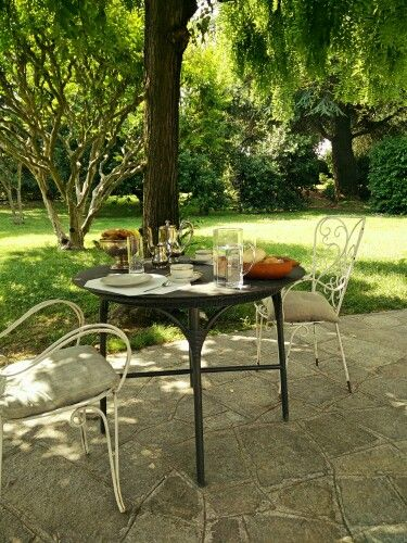 b&b Gli Specchi - what do you think about a gorgeous breakfast in the garden?