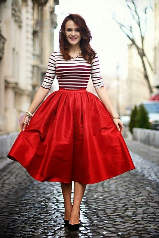 Street Style Outfit Ideas With Red | Daily Chic Inspiration