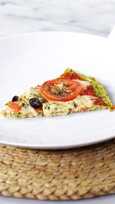 Descubra um jeito diferente e delicioso de fazer pizza utilizando brócolis na massa!