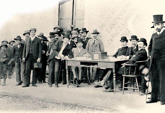 Electores en votación de diputados, Imágenes de Chile del 1900: Valparaíso