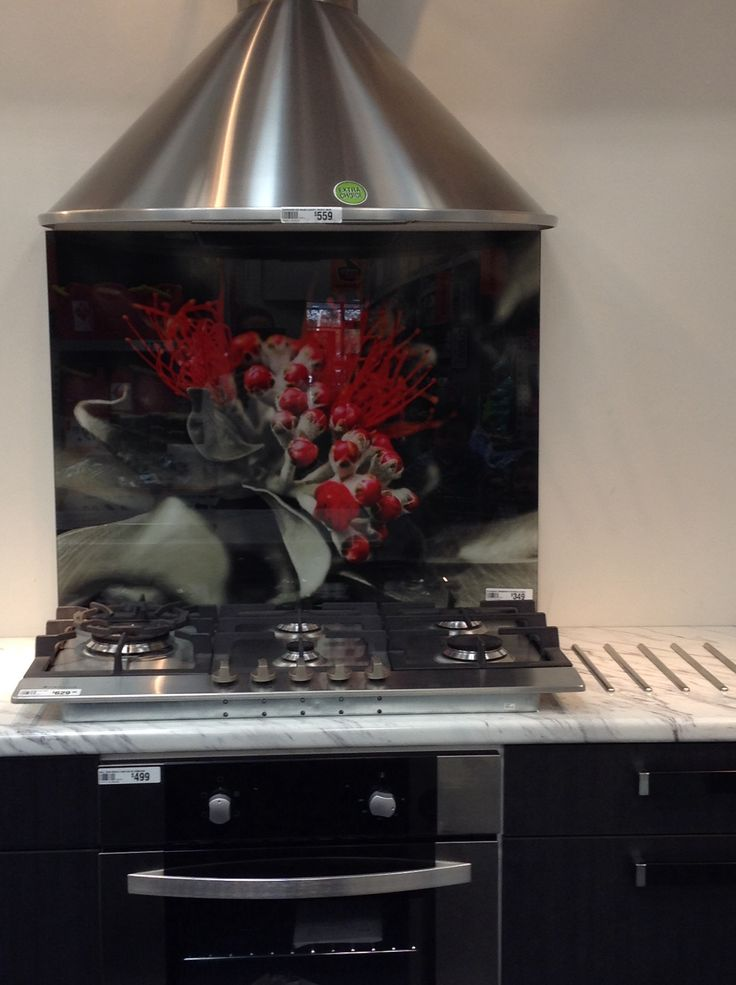 Glass splashback with a picture