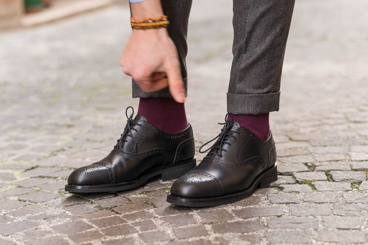 """""""In character, in manner, in style, in all things, the supreme excellence is simplicity."""" - Henry Wadsworth Longfellow --------- """"Capètt"""", our oxford in black leather with #vibram rubber soles, available online at www.velasca.com  #velascamilano #madeinitaly #shoes #shoesoftheday #shoesph #shoestagram #shoe #fashionable #mensfashion #menswear #gentlemen #mensshoes #shoegame #fashion #style #oxford #black"""