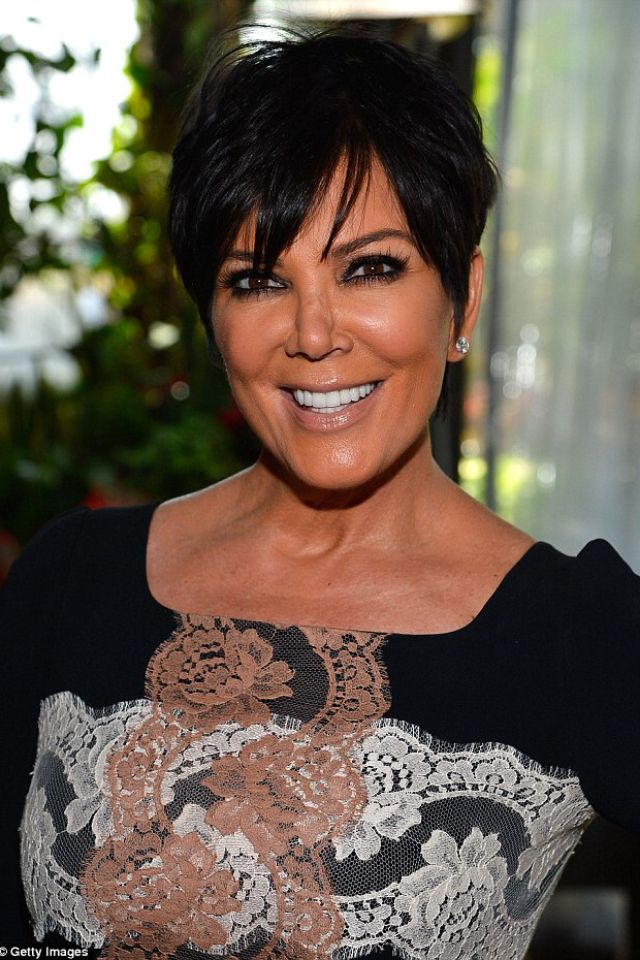 kris jenner hair style 46 best images about kris jenner haircut on 4266