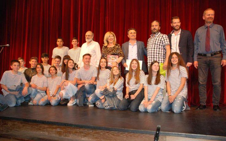 Στο 2ο Γυμνάσιο Αλεξάνδρειας το πρώτο βραβείο της 4ης Θεατρικής Άνοιξης Εφήβων Γυμνασίων, Λυκείων Ημαθίας, Πέλλας, Πιερίας (φωτογραφίες)