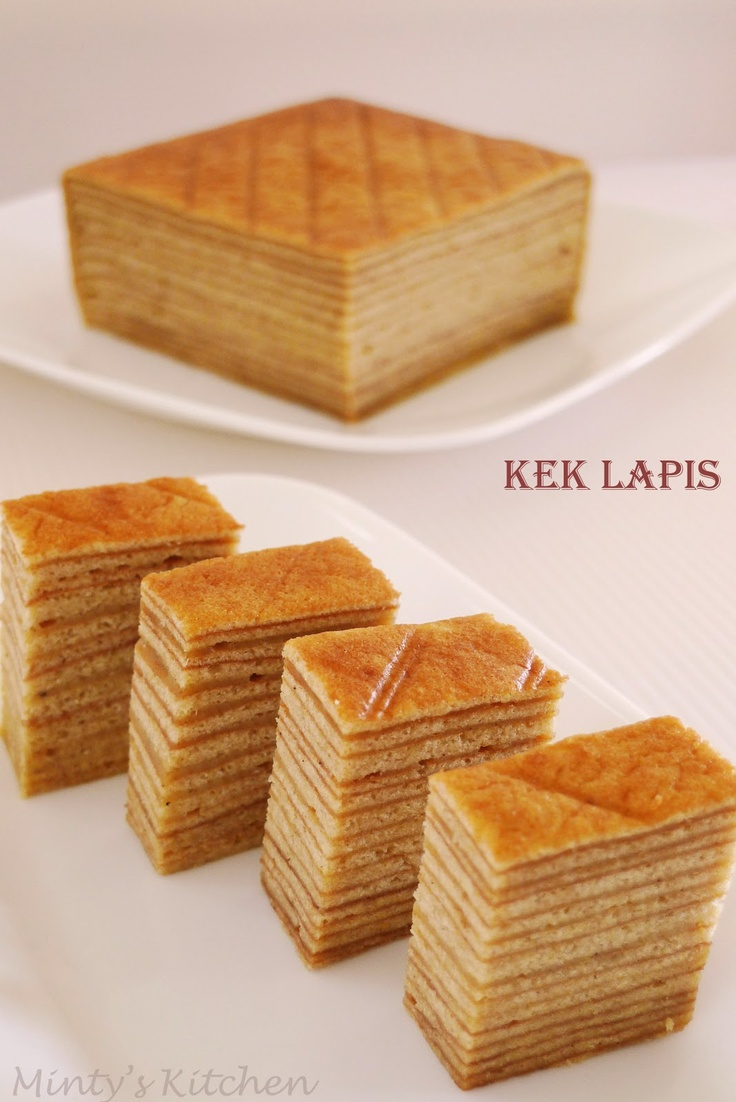 Minty's Kitchen: Indonesian Layer Cake / Kek Lapis - this sounds like it would be really fun to make! Yay!