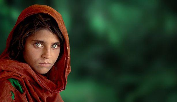 Ünlü 'afgan kızı' fotoğrafçısı Türkiye'ye geliyor