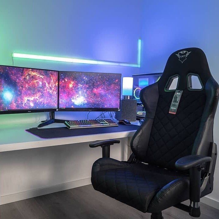 Pin By Ksu On Kiber In 2020 Gaming Gear Pc Gaming Setup Pc
