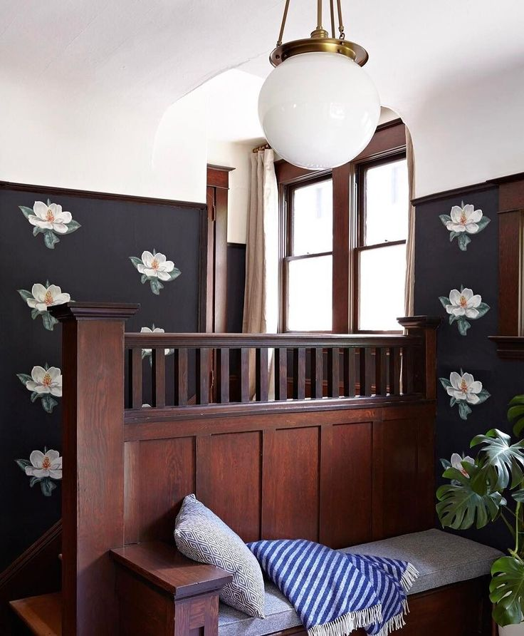 Foyer Chandelier Juice : Best entryway paint ideas on pinterest white desk
