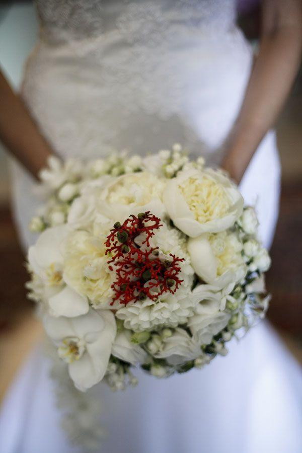 Coralli e corde da marinaio per un matrimonio nautico
