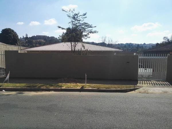 3 Bedroom House in Greymont, PROPERTY FOR SALE IN GREYMONT UNDER MAJOR RENOVATIONS!! THREE BEDROOMS,KITCHEN  LOUNGE OPEN PLAN, DINNING ROOM, ONE FULL  BATHROOM, NEW MODERN KITCHEN, SINGLE GARAGE, MORE PACKING SPACE. CALL NOW FOR ...
