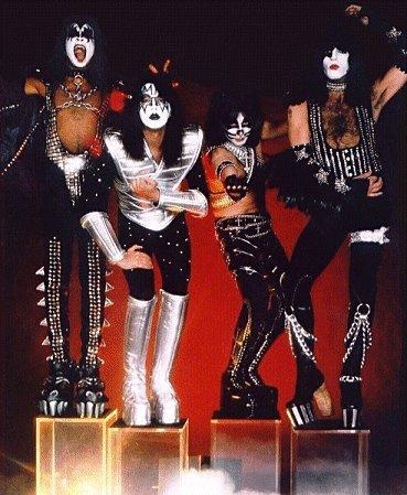 Kiss Hotter Than Hell Tour