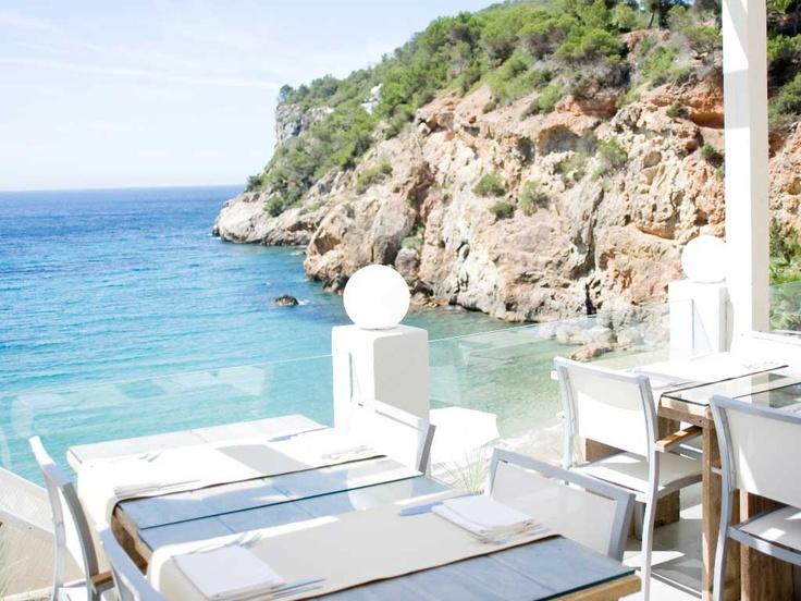 Restaurant/Beach Club Amante.  Sold'en Serra, Calla Llonga Santa Eularia. Tel: 971 196 176.  www.amanteibiza.com