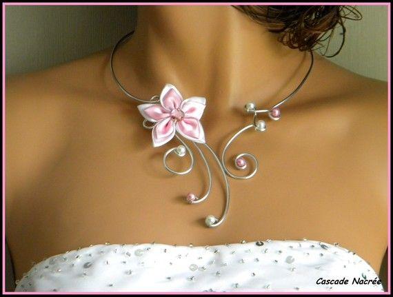 Collier bijou fleur satin ROSE BLANC aluminium mariage mariée soirée