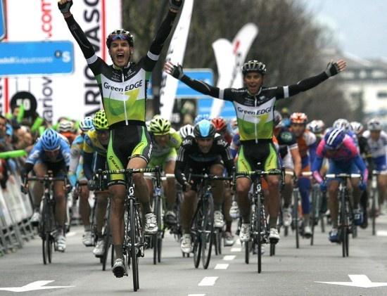 Daryl Impey wins stage 2 of the 2012 Vuelta al País Vasco. .... now for 2013 LETS GO SA!