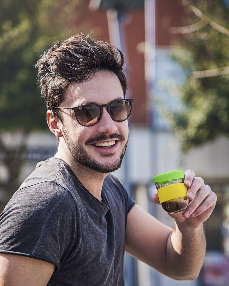 Refuse single use and buy your own reusable travel mug - the planet will thank you. So make this Earth happy.  Rifiuta l'uso singolo degli oggetti quotidiani e compra la tua tazza riutilizzabile da viaggio - il pianeta ti ringrazierà. Rendi questa Terra felice. #labontazza #glasstravelmug #thecupofgoodness #latazzadellabontà #coffee #design #colour #sustainability #environment #ecofriendly #coffeelover #takeaway #brew #instacoffee #style #ecofriendly #latteart #cafelife Re-post by Hold With…
