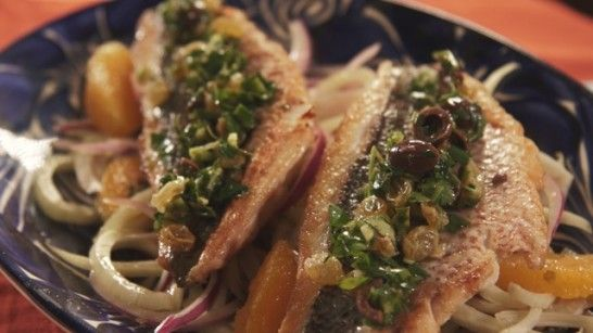 Making dinner for your mom for #MothersDay? Try my Fish over Fennel Salad w/ Jalapeno and Olive Salsa...