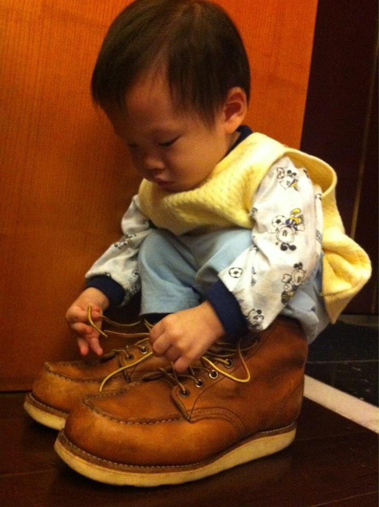 Just wanna wear like daddy.