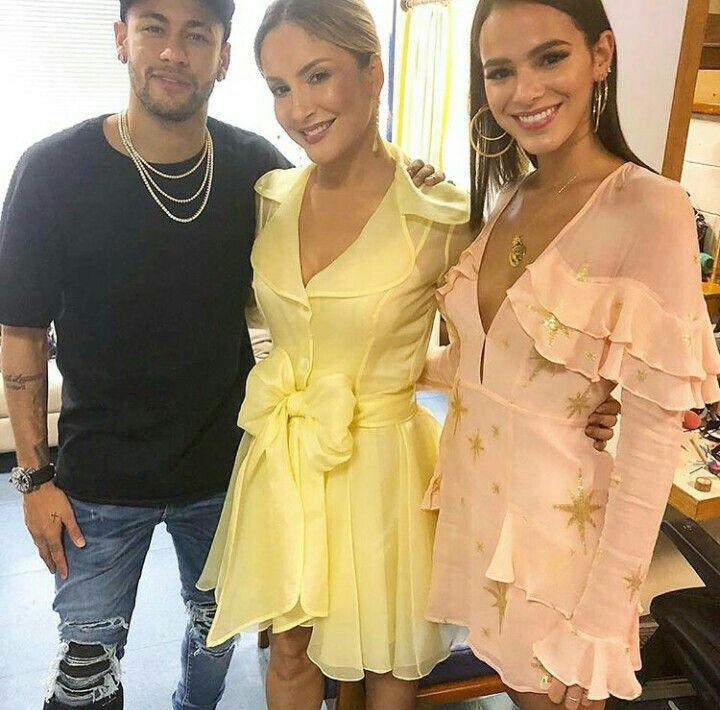 Bruna Marquezine A Super Tecnica Claudia And Neymar Jr In The